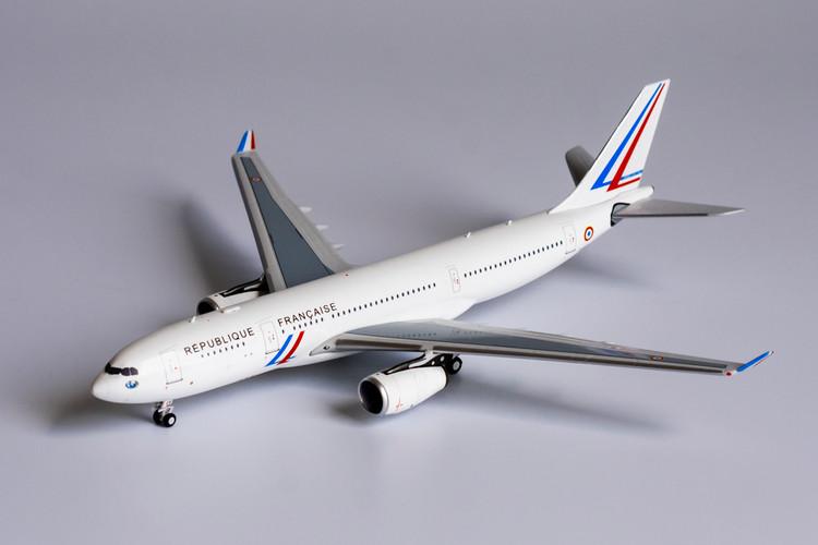 NG Models French Air Force Airbus A330-200 F-UJCS 1/400 NG61028