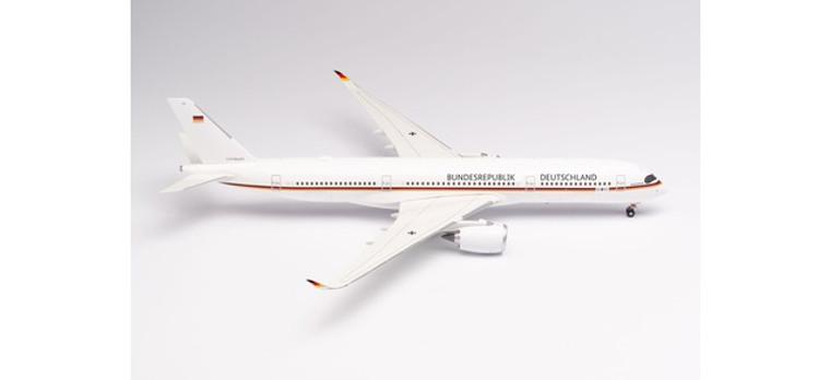 """Herpa Luftwaffe Flugbereitschaft Airbus A350-900 – 10+01 """"Konrad Adenauer"""" 1/200"""