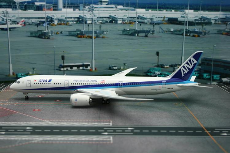 "Phoenix ANA All Nippon Airways Boeing 787-9 ""Tomo Dachi"" 1/200"