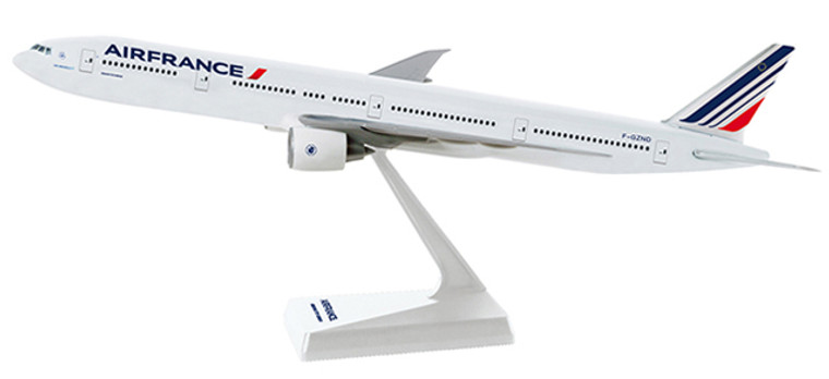 Herpa Snap-Fit Air France Boeing 777-300ER 1/200 608909