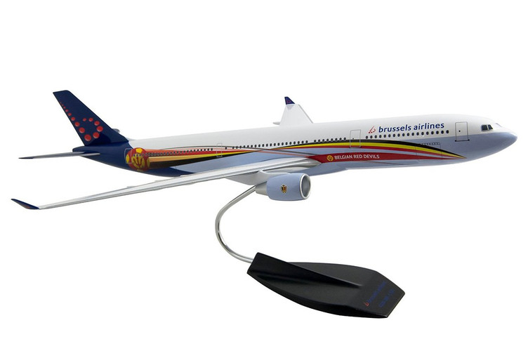 "Limox Brussels Airlines Airbus A330-300 SN ""Red Devils"" 1/120"
