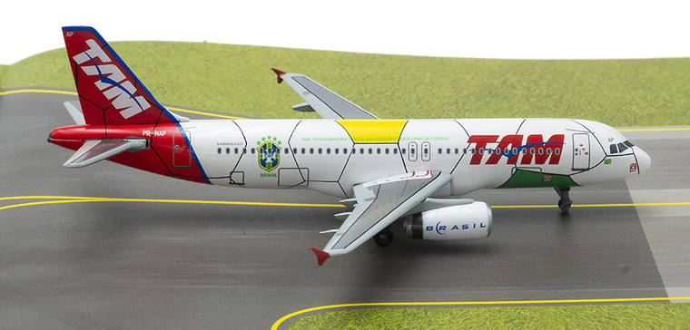 Dragon Wings TAM Airbus A320 Brazil National Football Team World Cup 1/400 DW56323
