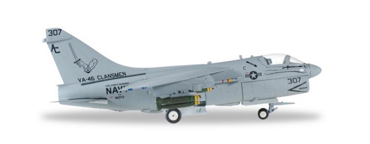 """Herpa U.S. Navy Vought A-7E Corsair II """"Clansmen"""" 1/72 580175"""