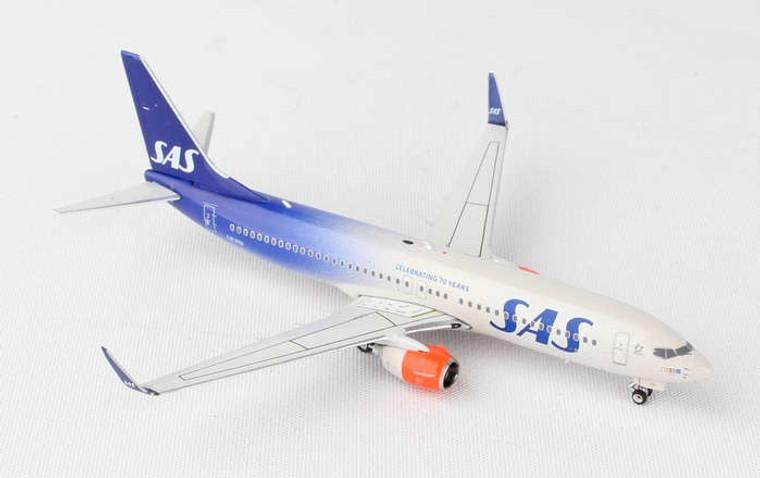 "Phoenix SAS Boeing 737-800 ""Celebrating 70 years"" LN-RGI 1/400 PH11345"