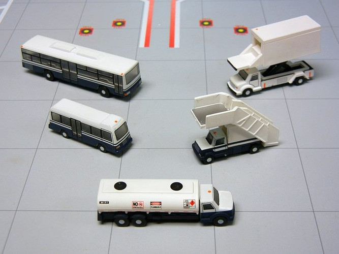 Gemini200 Airport Service Vehicles Set 1/200 G2APS450