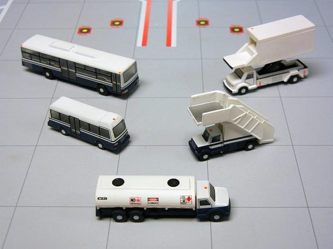 Gemini200 Airport Service Vehicles Set 1/200