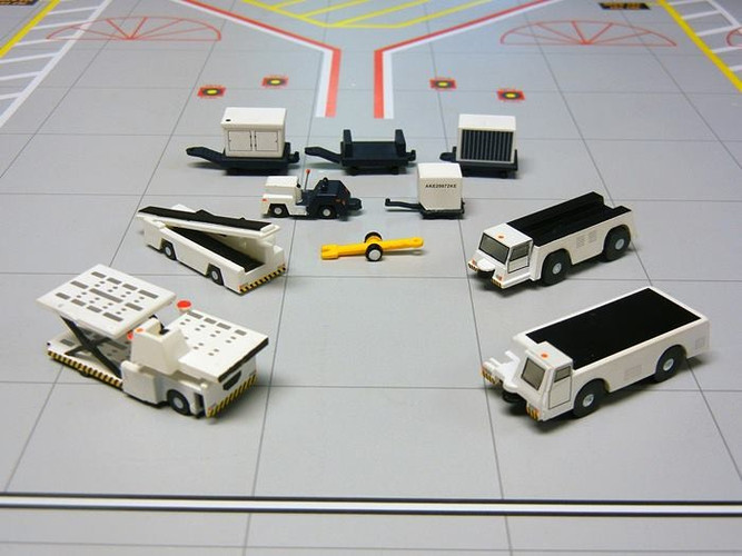 Gemini200 Airport Support Equipment Set 1/200 G2APS451