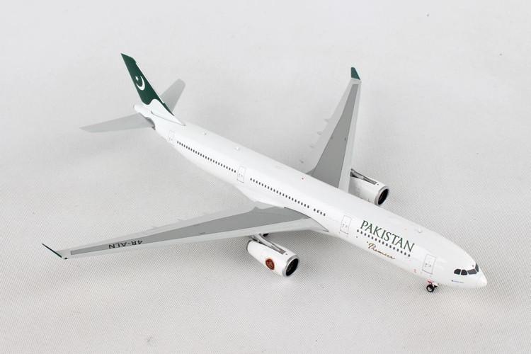 Phoenix PIA Pakistan Airbus A330-300 4R-ALN 1/400