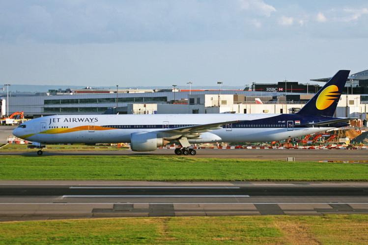 Phoenix JetAirways Boeing 777-300ER VT-JET 1/400