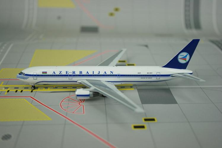 Phoenix Azerbaijan Airlines Boeing 767-300ER 1/400 PH10581