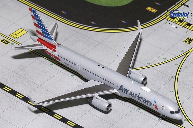 GeminiJets American Airlines Boeing 757-200 N203UW 1/400 GJAAL1797