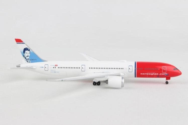 """Herpa Norwegian Boeing 787-9 Dreamliner – G-CKNA """"Freddie Mercury"""" 1/500 530170-001"""