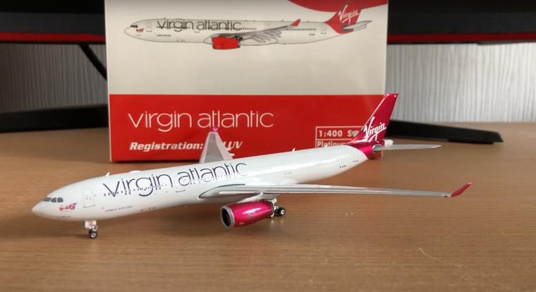 Phoenix Virgin Atlantic Airbus A330-300 G-VLUV 1/400 PH11536