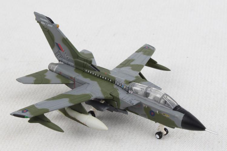 Herpa Panavia Tornado GR.4 No 31 Squadron - Tornado Farewell 1/200 570503
