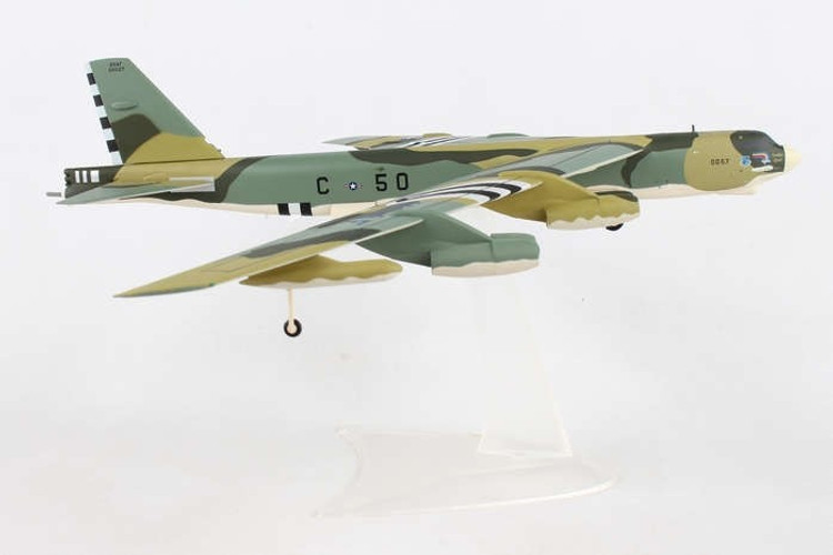 "Herpa U.S. Air Force Boeing B-52H Stratofortress - 644th Bombardment Squadron, 410th Bombardment Wing, K.I. Sawyer AFB ""Someplace Special"" - 60-0057"