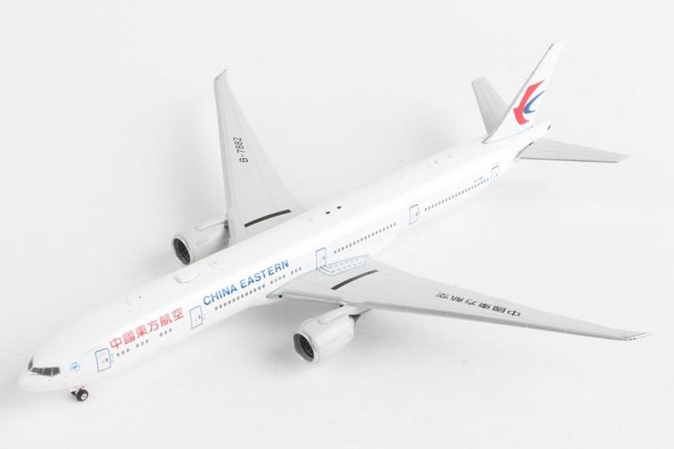 Phoenix China Eastern Boeing 777-300ER B-7882 1/400