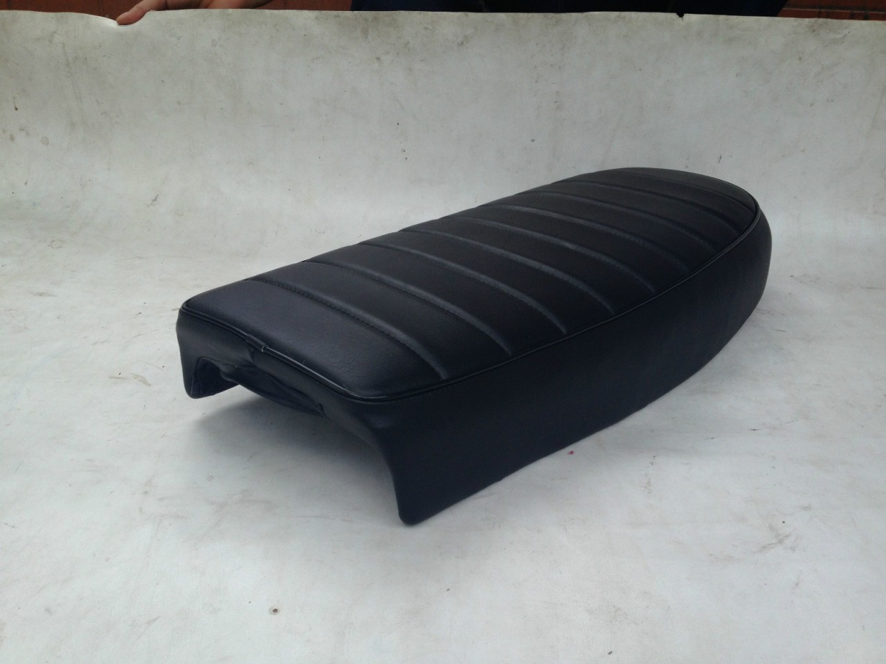 1968 - 1971 Honda CB450 sport seat with short motorcycle seat pan #2638