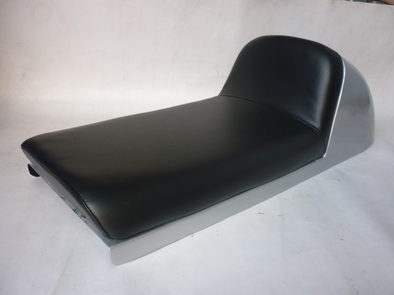 1977 - 1978 Honda CB750K CB750 K Cafe Racer Motorcycle Seat with  metal cowl #2821
