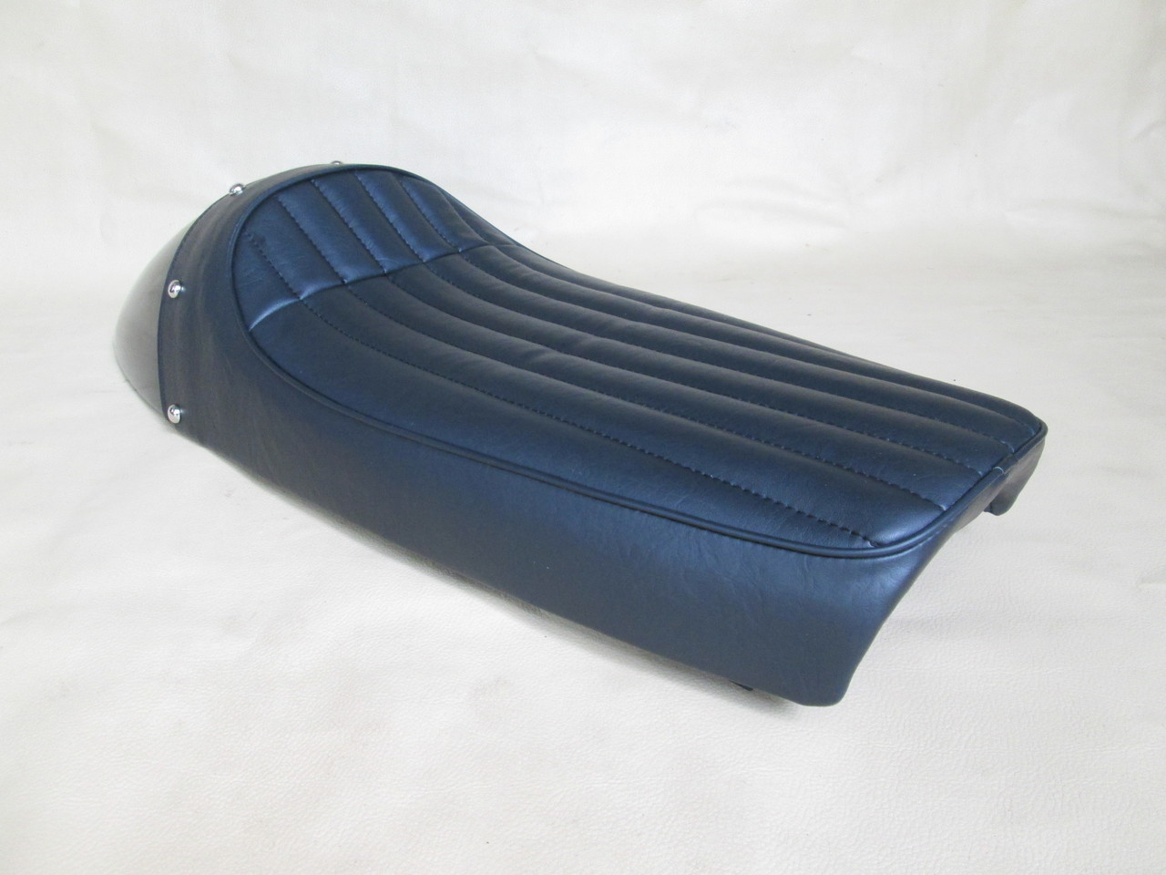 Yamaha XS1 XS2 DS7 R5 RD250 RD350 and RD400 XS650 standard and XS650 Special Modified seat pan, metal cowl #4143