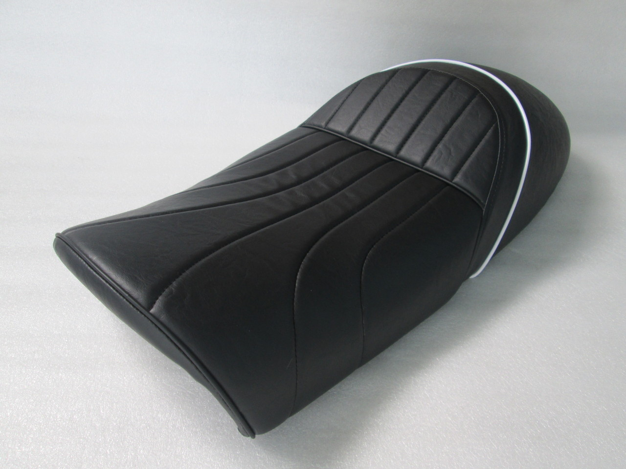 BMW Air Head AIRHEAD R80 R series R80RT complete seat with metal pan plate #4176