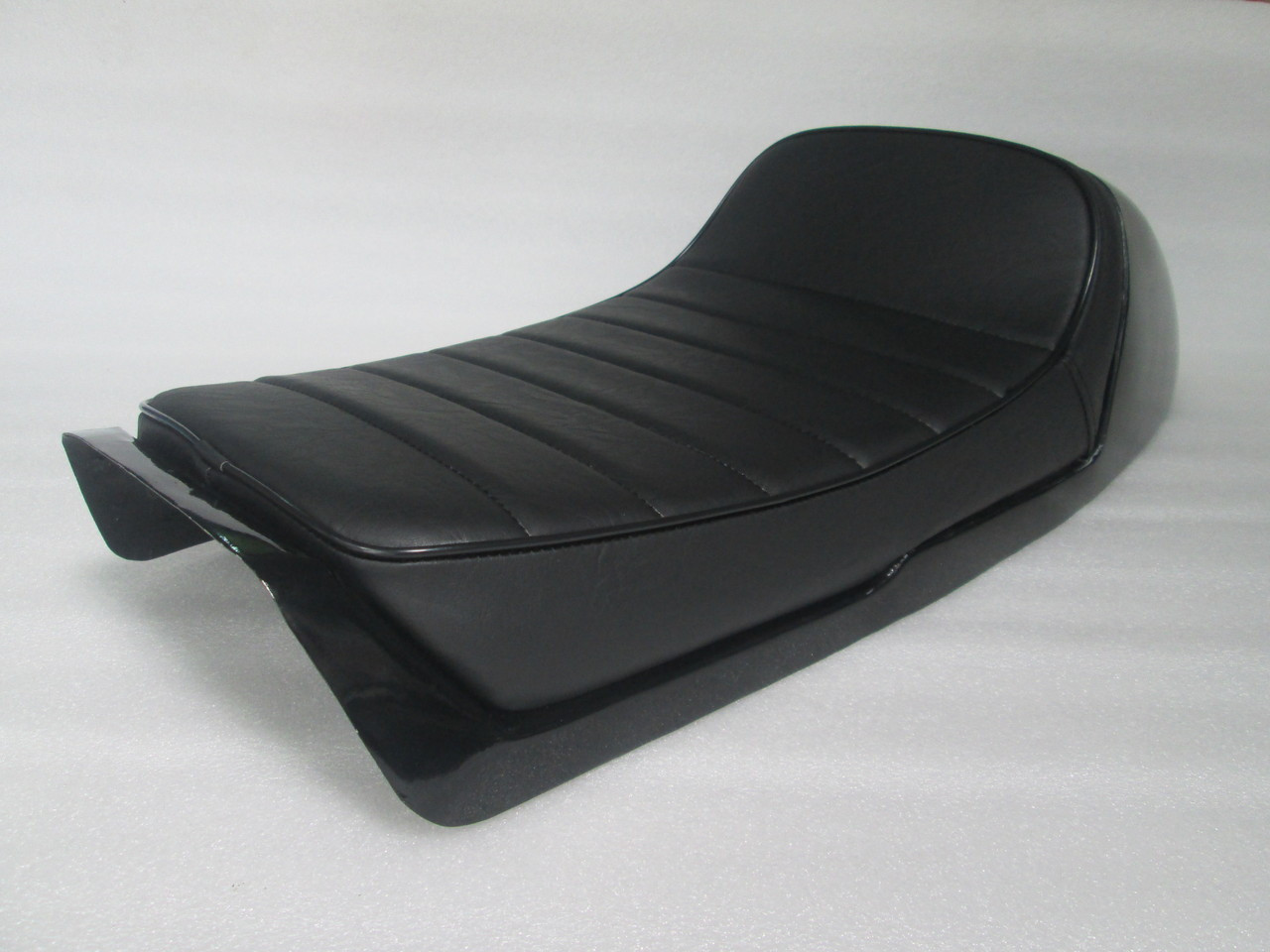 Honda CB750F super sport 1975 - 1978 Complete seat with Metal Cowl will work with original fender #4235