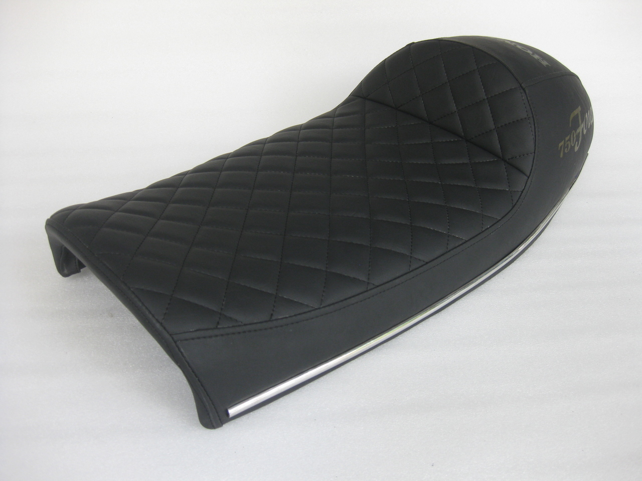 1969, 1970, 1971 Honda CB750 K0 and K1 and 1972 to 1976 K2 to K6 Complete cafe racer seat with chrome bars #4267