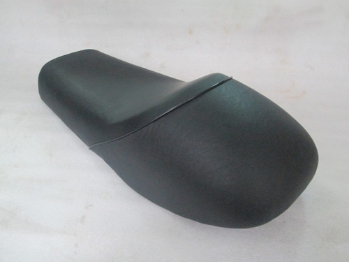 1976 - 1979 Yamaha RD400 Cafe Racer Motorcycle Seat complete unit #4214
