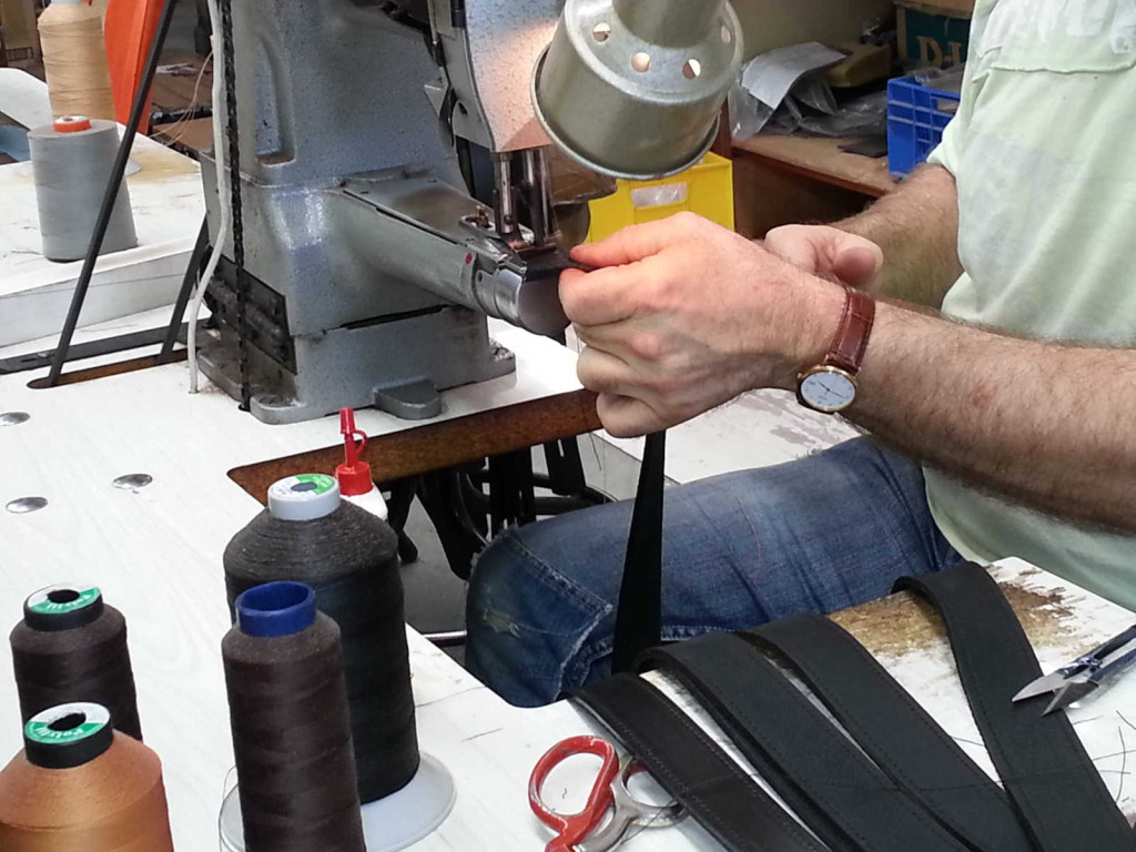 cleverworks-leather-belts-sewing-machine.jpg
