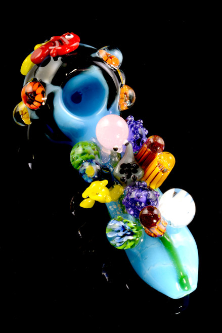 Wholesale Great Barrier reef glass pipe with octopus, seahorse, and other ocean critters.