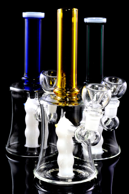 Bulk glass water pipes for resale.