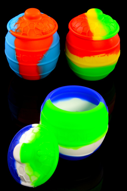 Bulk silicone dab containers.