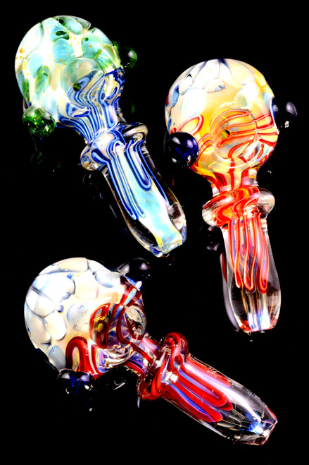 Bulk color changing glass hand pipes for head shop resale.