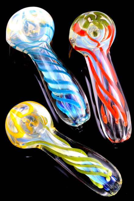 Wholesale cheap glass pipes for smoke shop resale.