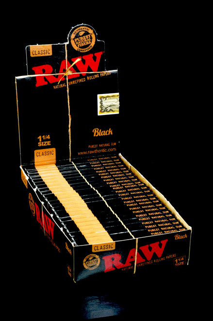 Raw Black Rolling Papers 1 1/4 - RP232