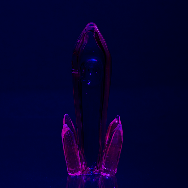 (US Made) Lucy Crystals UV Reactive Dry Pipe - P1702