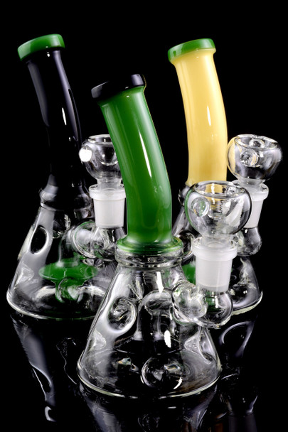 Small Stemless GoG Bent Neck Water Pipe with Stemline Showerhead Perc - WP1579
