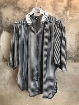 Camisa de Riscas Preta e Cinza Anos 80