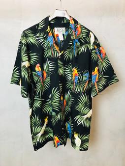 Hawaiian Shirt Preta com Papagaios
