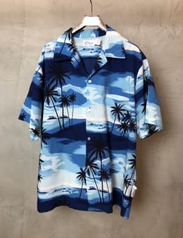 Hawaiian Shirt Azul com Palmeiras Mar e Céu