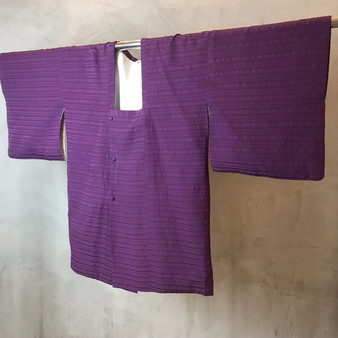 Kimono Japonês Roxo com Print Horizontal