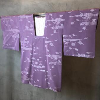 Kimono Japonês Lilás com Print de Natureza