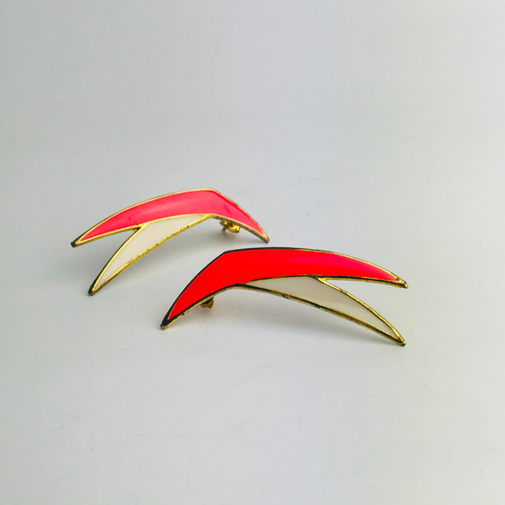 80s Flying Boomerang Earrings