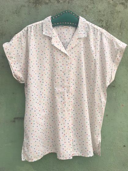 Camisa branca com Bolinhas Coloridas Anos 90