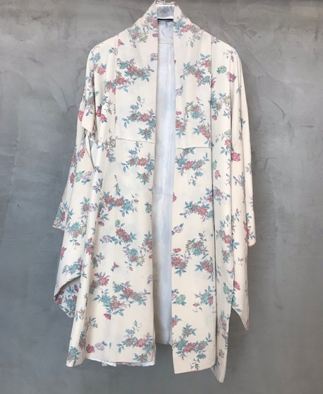 Kimono Japonês Creme com Flores