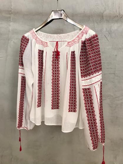 Blusa Étnica Romena com Bordados Vermelhos