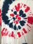 T-Shirt Tie & Dye Branca Vermelha e Azul