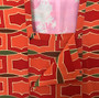 Kimono Japonês com Padrão Laranja, Vermelho e verde