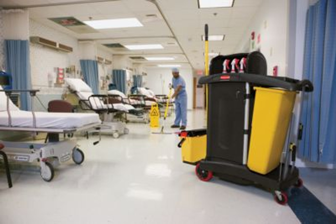 Cleaning cart for use in Healthcare facilities.