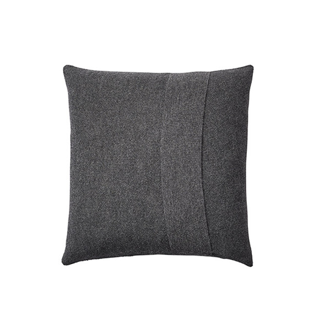 Muuto Layer Cushion in dark grey 50 x 50
