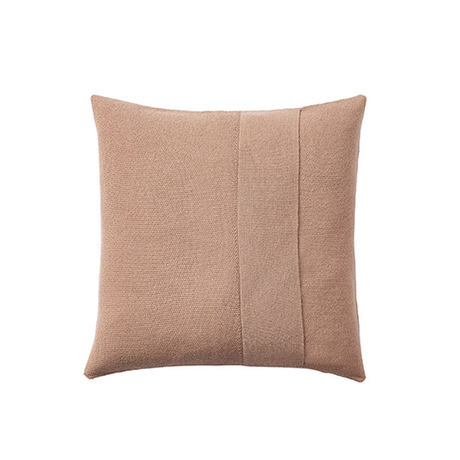 Muuto Layer Cushion in dusty rose 50 x 50